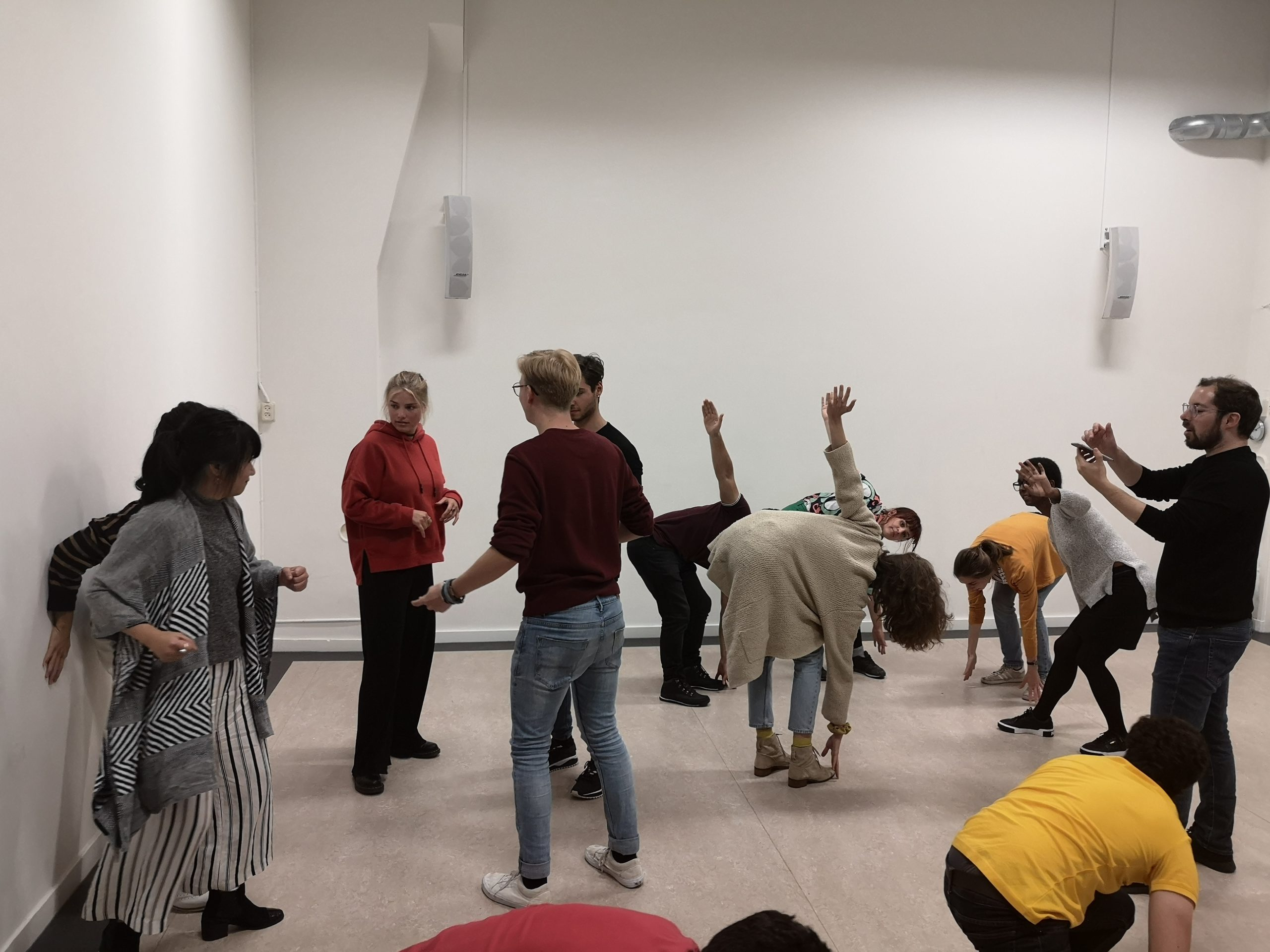 Pure improv for beginners. Group exercise, everybody has a different pose.