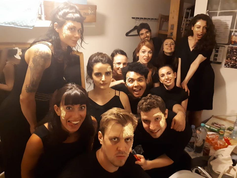 """""""Keeping up with the Greeks"""" show. Backstage photo with members of the cast"""